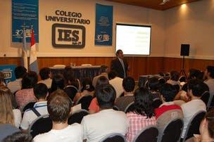 Colegio Universitario IES - 20%