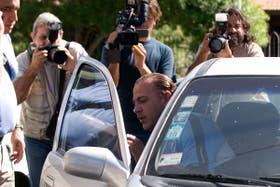 Guillermo Luque minutos despues de obtener el beneficio de la liberta condicional despues de cumplir los dos tercios de su condena.