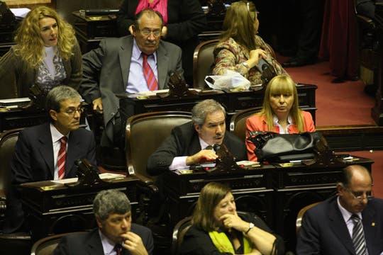 El Diputado Felipá Solá, expone durante la sesión que nunca comenzó. Foto: LA NACION / Ricardo Pristupluk