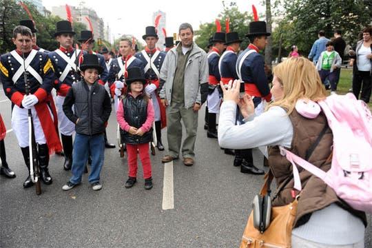 Una multitud participó de las celebraciones por los 200 años de la Patria. Foto: Télam