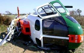 El Eurocopter AS350 quedó destruido tras el golpe en el rotor de cola