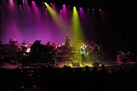 Una noche especial, con cantautores y orquesta