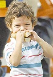 Fast food criollo. En la calle o en el asado casero, nadie puede evitar la tentación