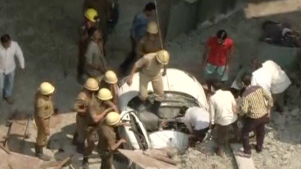 Se derrumbó un puente en india: al menos 10 muertos y más de 150 ...