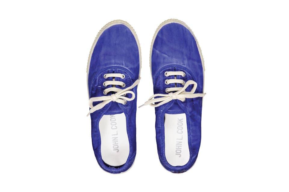 Zapatillas (John L. Cook, $785).