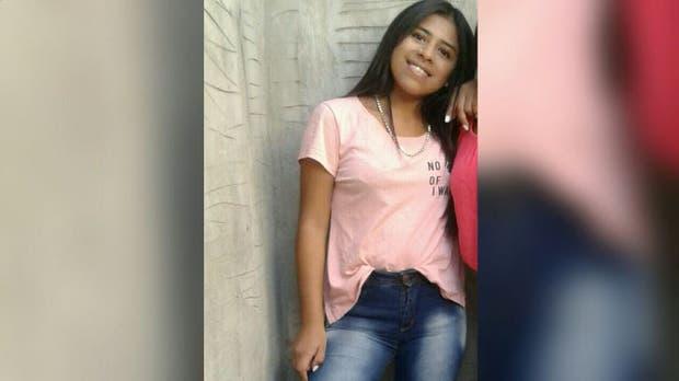 Ivana Ruiz apareció en San Antonio de Padua junto a un joven que sería su pareja