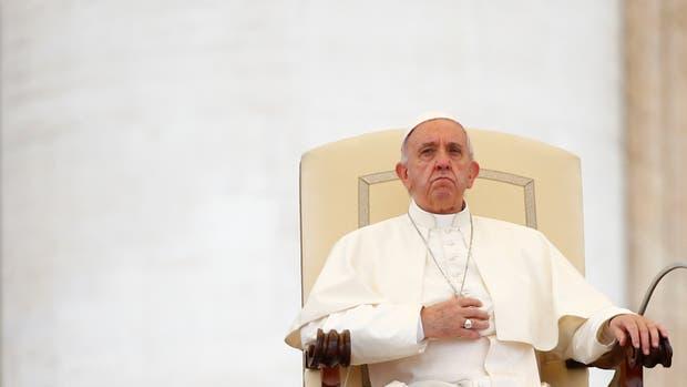 El Papa relevó a Müller de la CDF y lo reemplazó con un jesuita español