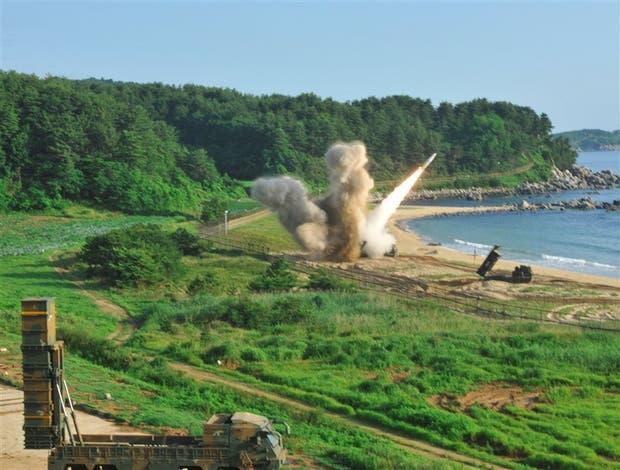 La prueba conjunta de ayer de misiles tácticos MGM-140, desde Corea del Sur