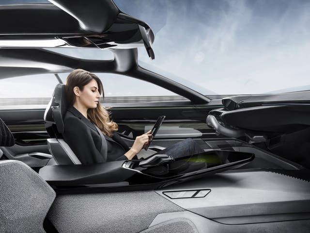 El concept car Peugeot Instinct incorpora Internet de las Cosas (IoT)
