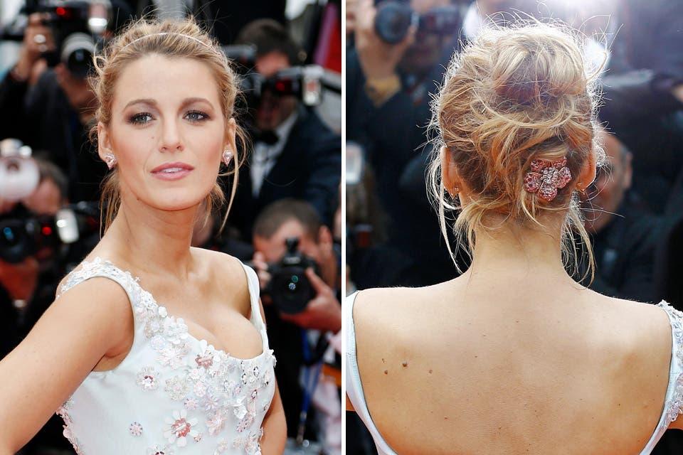 Recogido con aplique en la parte posterior de la cabeza para Blake Lively. La actriz pisó la alfombra roja de Cannes y cosechó varios elogios por este look. Foto: OHLALÁ! /Latinstock