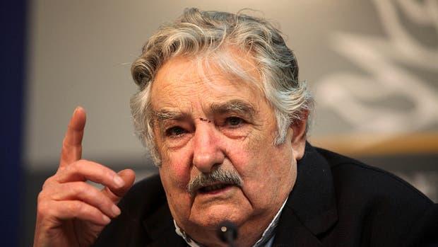 Vice de Uruguay luego de escándalo por uso de tarjetas corporativas