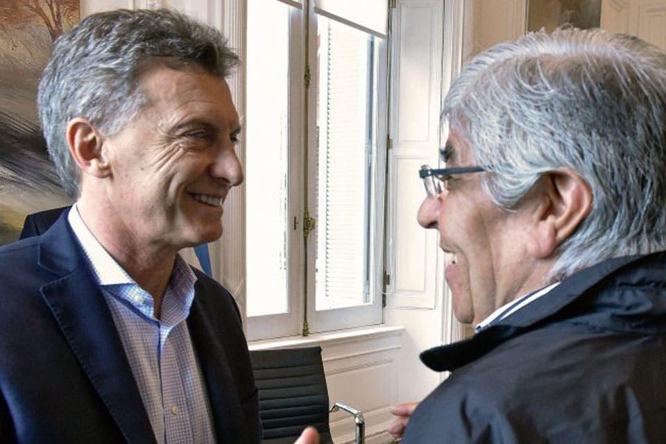 Una cumbre por la AFA: Macri recibirá este sábado a Hugo Moyano en Olivos