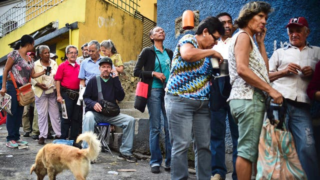 Fitch rebaja calificación crediticia de estatal venezolana PDVSA