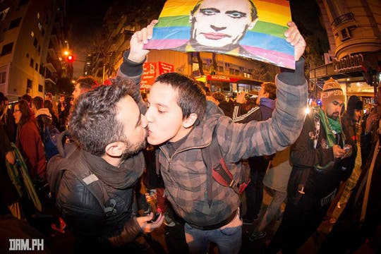 """La homosexualidad en Rusia es penada mediante una ley de """"promoción de las relaciones no tradicionales y la pedofilia"""". Foto: Facebook/damhidalgo"""