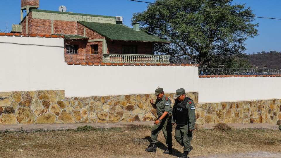 El operativo de seguridad en los alrededores de la casa de Milagro Sala. Foto: LA NACION / Fernando Font
