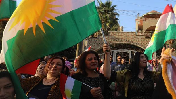 Krudos en Siria respaldan a sus connacionales de Irak