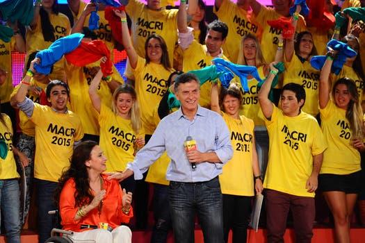 Bailes y festejos en el bunker de Pro, los candidatos salieron al escenario para festejar la victoria en los comicios. Foto: LA NACION / Mauro Alfieri