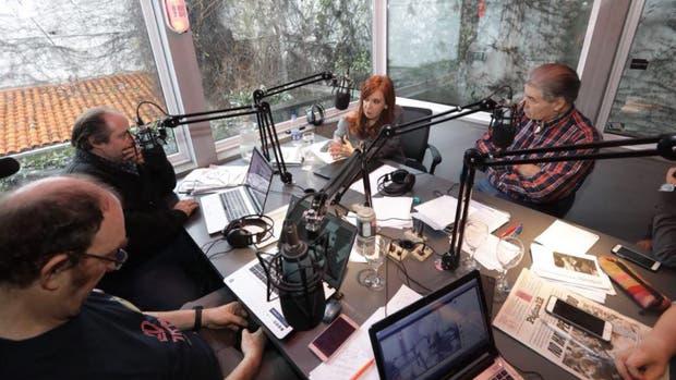 Cristina Kirchner visitó el estudio de AM750 durante el programa conducido por Víctor Hugo Morales