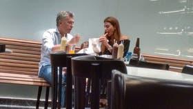 La foto de la familia Macri cenando en Carne fue furor en las redes