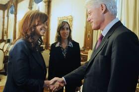 En su visita a la Argentina en 2010, Clinton se reunió con Cristina Kirchner