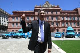 El ministro de Interior y Transporte, Florencio Randazzo, al presentar hoy las unidades móviles que se desplegarán durante el verano en la Costa