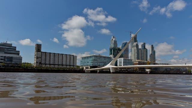 Advierten que el agua de los diques de Puerto Madero está contaminada