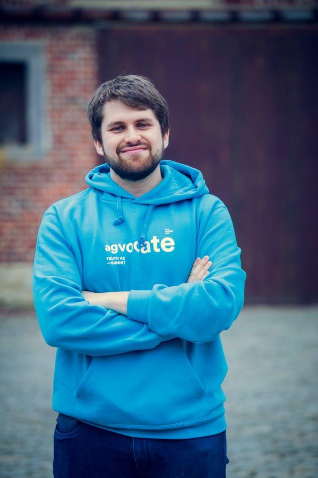 Ignacio Mateo es chileno e ingeniero comercial