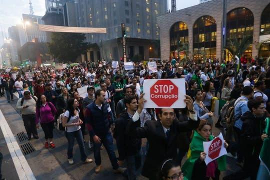 En San Pablo, los manifestantes se reunieron en el centro financiero. Foto: EFE