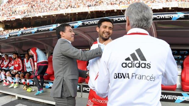 """El abrazo con Marcelo Gallardo y la ovación en el """"minuto camiseta"""""""