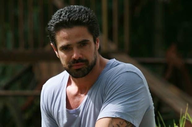 Luciano Castro protagonizará Sos mi hombre junto a Celeste Cid