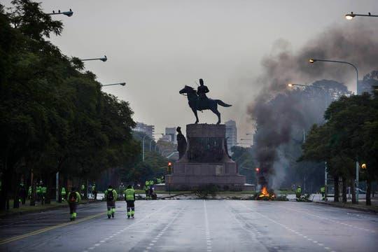 Los recolectores de residuos protestan contra la mala atención de la obra social del sector. Foto: LA NACION / Aníbal Greco