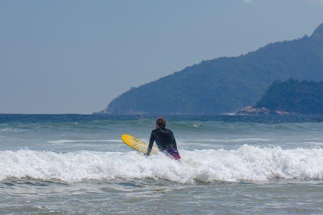 Con o sin olas, en isla Isla Grande cada uno elige su playa
