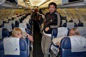 Con demora y luego de una larga espera dentro del avión, partió un vuelo desde Bariloche