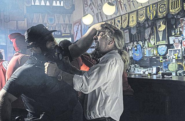 Persecuciones y peleas en el mejor estilo del policial negro