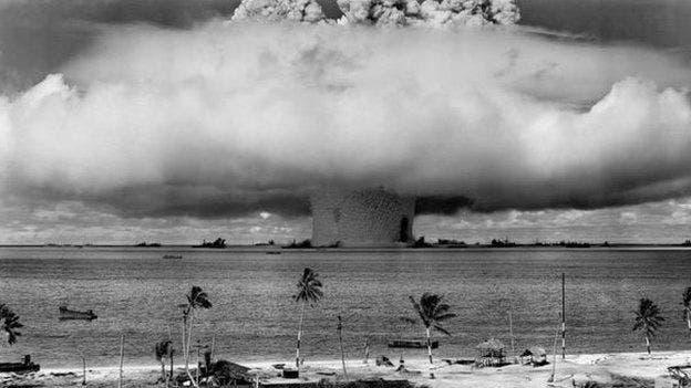 De acuerdo con teorías de la conspiración, si la señal de la radio se detiene, significa que Rusia ha sido objeto de un ataque nuclear. En cuyo caso lanzaría una represalia automática