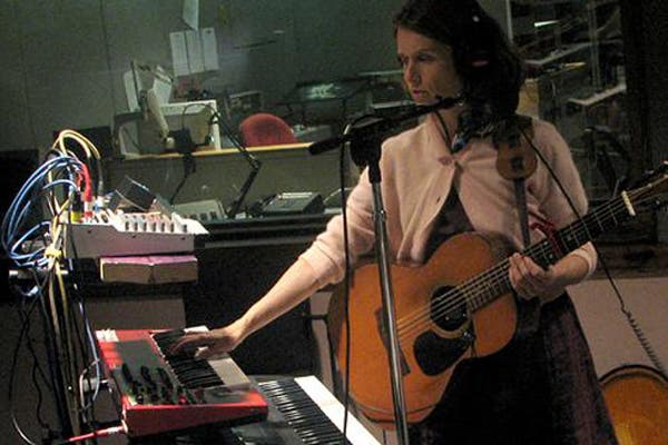 En su universo musical. Foto: juanamolina.com