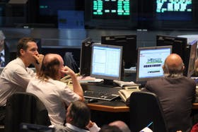 Los mercados sienten el impacto de la salida de Juan Carlos Fábrega del Banco Central