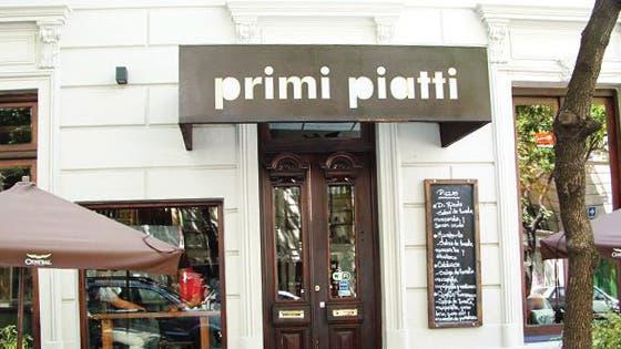 La pizza de Primi Piatti es absolutamente italiana y vale la pena probarla