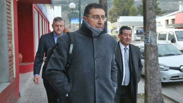 Gustavo Lleral, el nuevo juez de la caso Maldonado, llega al juzgado de Esquel