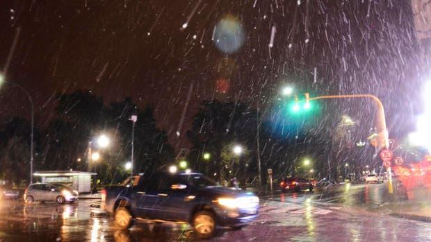 La nieve llegó a Bahía Blanca