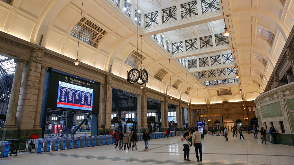 La terminal de Retiro del tren Mitre, como en su mejor época. Foto: LA NACION / Fernando Massobrio