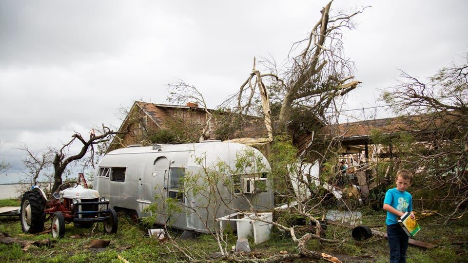 Harvey pasó y arrasó con todo a su paso, el saldo son varios muertos y cuantiosas pérdidas materiales, es el huracán más fuerte desde 2005. Foto: AP