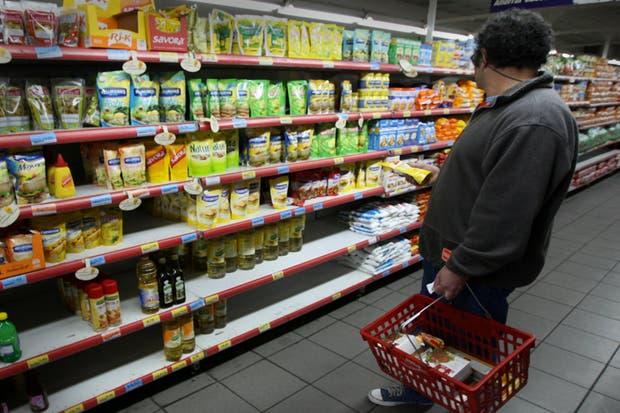 La inflación causó una baja en el consumo en los supermercados