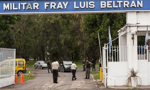 La Gendarmería allanó ayer la Fábrica Militar Fray Luis Beltrán; se confirmó el faltante de tres millones de municiones
