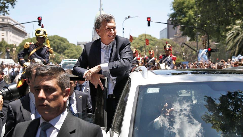 http://bucket3.glanacion.com/anexos/fotos/05/mauricio-macri-presidente-2128105h540.jpg