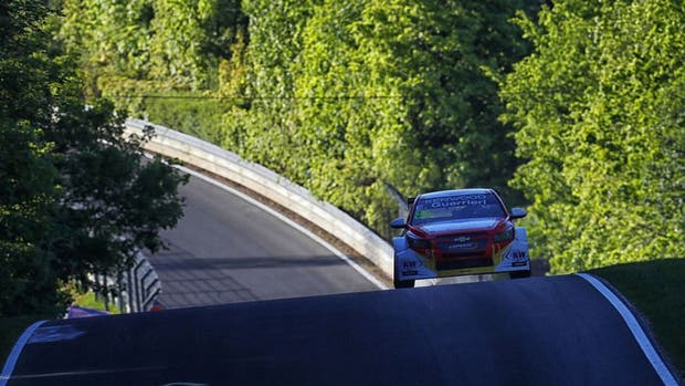Guerrieri no pudo subirse al podio en las dos carreras en Nurburgring