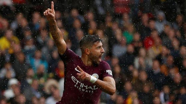 Agüero hizo los dos primeros goles de Manchester City
