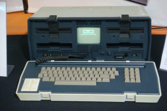 Otro de los equipos llamativos de la muestra, la Osborne, un equipo portátil de 10 kilos de peso. Foto: Gentileza Museo de Informática