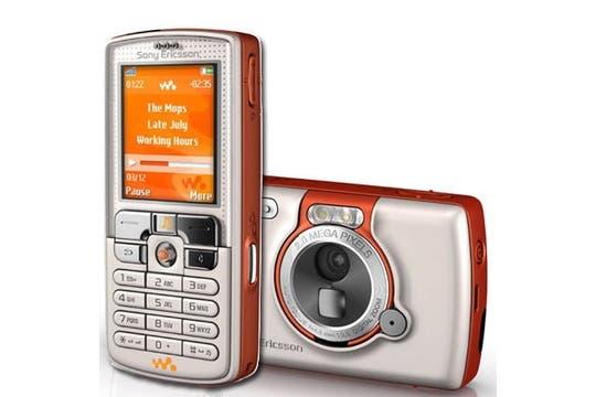 Sony Ericsson Walkman W800 (2005).