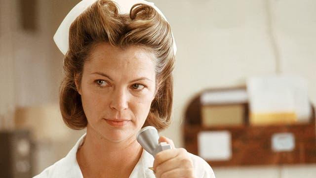 Louise Fletcher, en el papel de Ratched en el clásico film. Por este trabajo la actriz ganó un Oscar